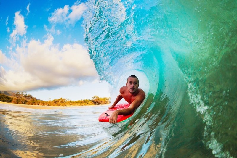 Surfing on the best Hawaiian Islands