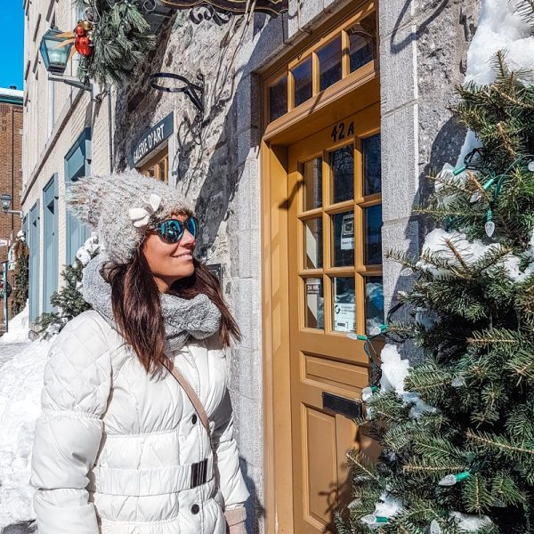 Best travel style with sunglasses
