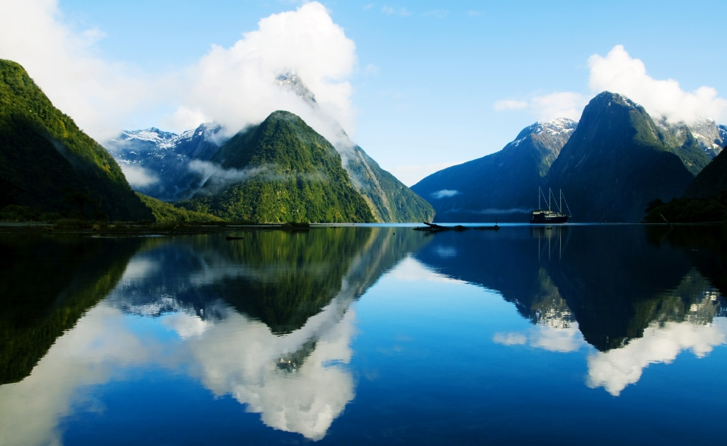 New Zealand_Fiordland, Milford Sound (family) - Copy