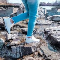 Chaussures imperméables Loom : le verdict d'une maman active vagabonde