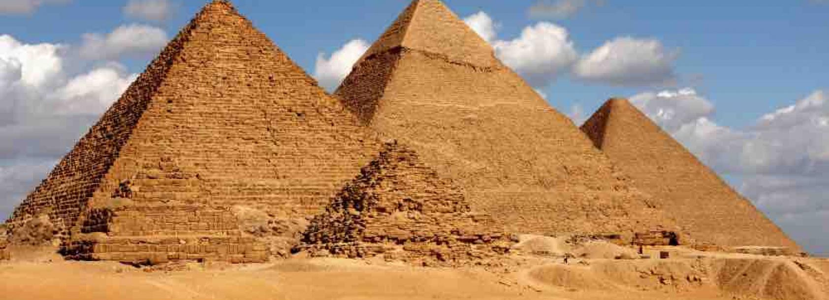 Egypt_Giza pyramid